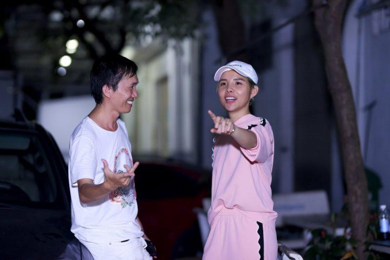 Đạo diễn Nguyễn Hữu Thanh (trái) và ca sĩ Vũ Cát Tường