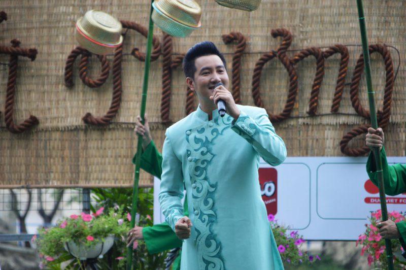 Ca sĩ Nguyễn Phi Hùng tham gia liên hoan ẩm thực những năm trước