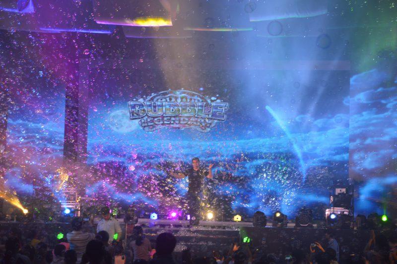mưa bong bóng Bubble Legendary Show