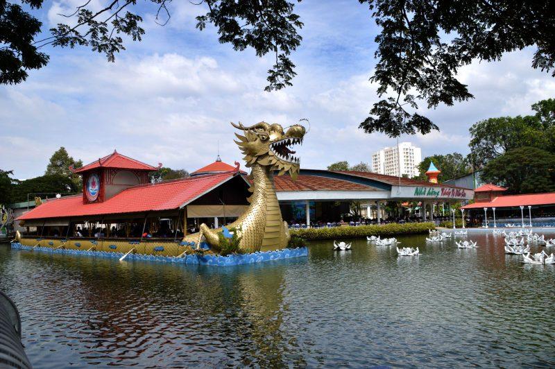Nhà hàng Thủy Tạ Đầm Sen