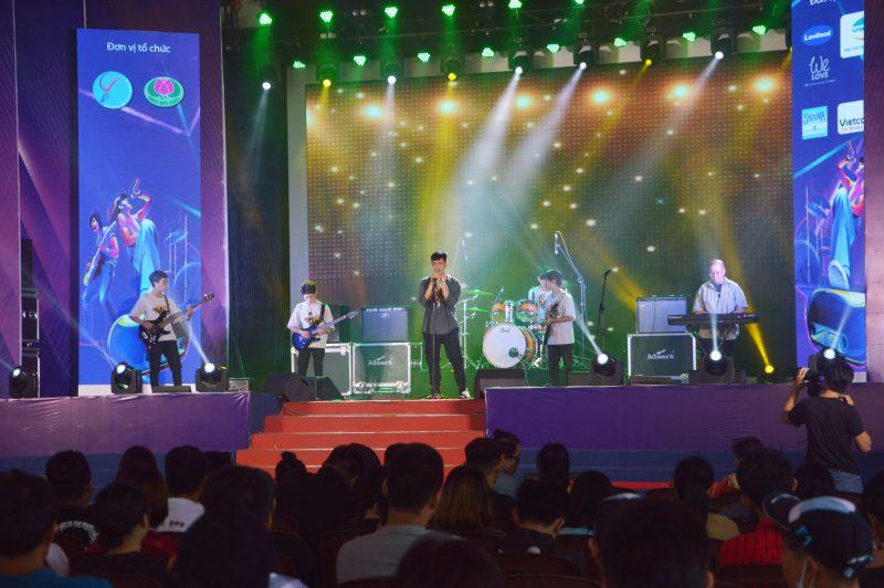 Các ban nhạc sinh viên