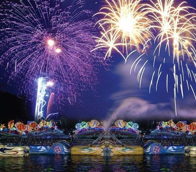Countdown 2020: Xem pháo hoa tuyệt đẹp từ Thủy Tạ Đầm Sen 3