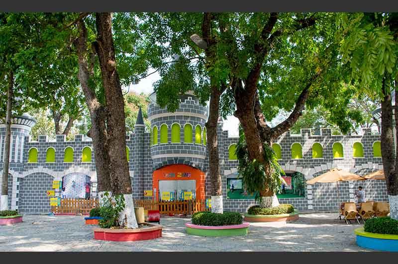 lâu đài kỳ thú khu teen
