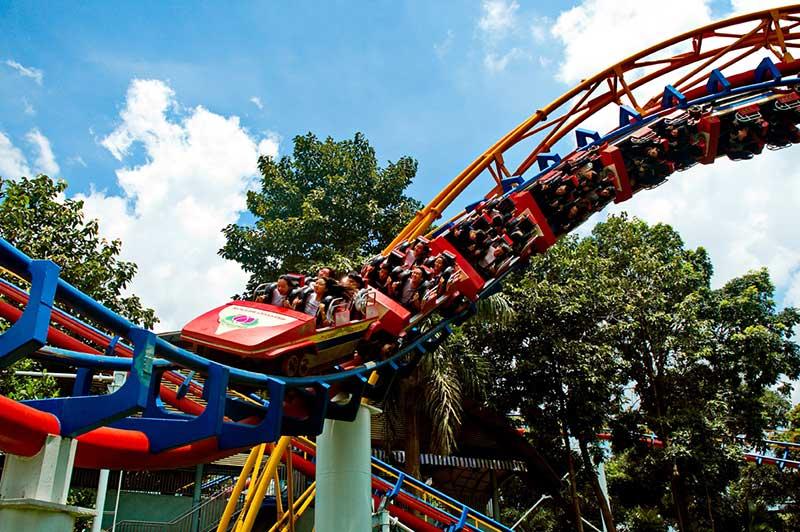 trò chơi cảm giác mạnh Roller Coaster